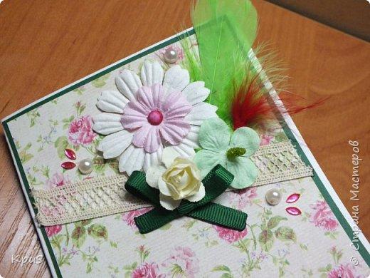 """В ходе подготовки к 8 марта, для родственниц мужа сделала открытки. Они сделаны без особых """"наворотов"""", но в них я использовала цветы и тычинки, которые сделала по мастер-классам мастериц. Спасибо им за помощь. фото 4"""