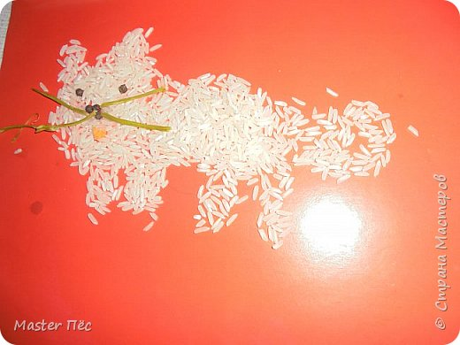 """Всем привет! Сдаю работу на конкурс """"Кошки и коты""""! (http://stranamasterov.ru/node/1000969) Сделал иллюстрацию песни Ларисы Брохман - Я пушистый беленький котёнок. И так, начнём!  Я пушистый беленький котёнок,  Не ловил ни разу я мышей,  И где бы я ни появился,  Где бы ни остановился,  Слышу от больших и малышей:  - Кис-кис! фото 7"""