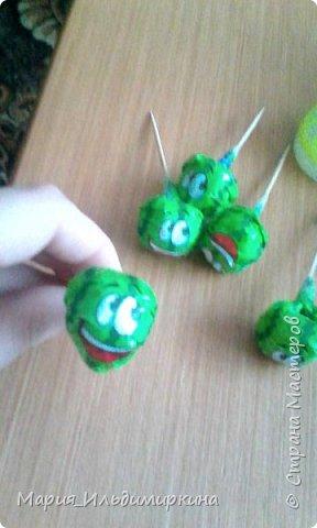 Вот такие ромашки получились из конфет - желеек фото 2