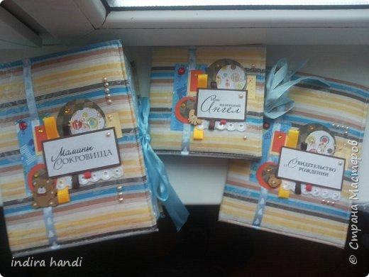 Для своего лапочки сыночка, я сделала комплект. Коробочку мамины сокровища, папочку свидетельство о рождении и мини папочка для компакт дисков с фотографиями своего малыша. фото 14