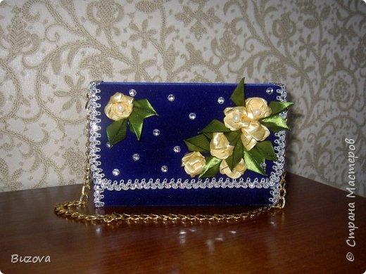 Вот такие коробочки - сумочки  начала делать в подарок подругам. Это подарочная упаковка для конфет. фото 7