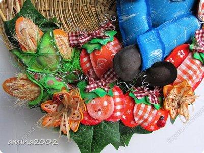 Добрый день! Панно из фома , использовались молды для головы чучелка,пчелки и птички. фото 2