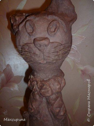 Здравствуйте!!!  Всем доброго времени суток!!!  Давняя мечта, слепить кота на бутылке осуществилась. Первая моя работа с соленым тестом. Кот-повторюшка с этого кота    https://stranamasterov.ru/node/458447   , и с этого    https://stranamasterov.ru/node/533027       Спасибо девочкам большущее.  фото 7