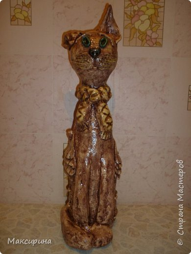 Здравствуйте!!!  Всем доброго времени суток!!!  Давняя мечта, слепить кота на бутылке осуществилась. Первая моя работа с соленым тестом. Кот-повторюшка с этого кота    http://stranamasterov.ru/node/458447   , и с этого    http://stranamasterov.ru/node/533027       Спасибо девочкам большущее.  фото 1