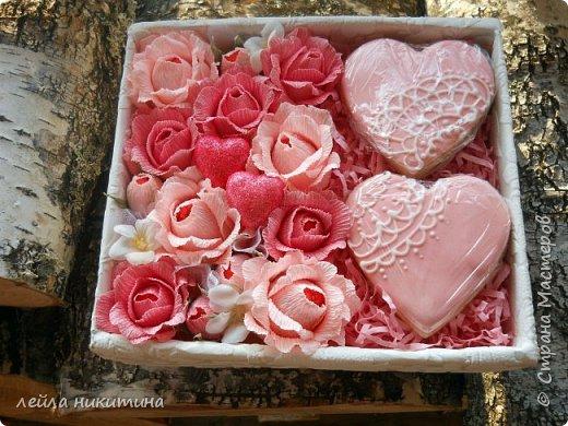 Всем доброго времени суток,Мастерицы!!! А влюбленных с праздником!!! К дню Святого Валентина у меня всего одна работа и та выполнена для друзей.Sweet box c песочными печеньями. фото 5
