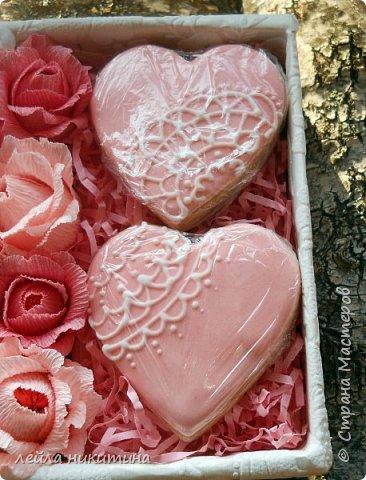 Всем доброго времени суток,Мастерицы!!! А влюбленных с праздником!!! К дню Святого Валентина у меня всего одна работа и та выполнена для друзей.Sweet box c песочными печеньями. фото 4