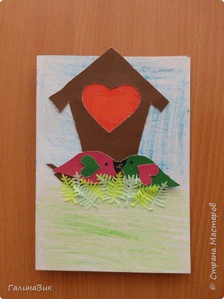 На уроке кружка ребята делали открытки и поделки к празднику святого Валентина. Мои образцы здесь http://stranamasterov.ru/node/1001208 и здесь:-)  http://stranamasterov.ru/node/1002295  А теперь предлагаю посмотреть несколько открыток, сделанных ребятами.  Эта работа мальчика. Изобразил очень милое семейство медведей. фото 2