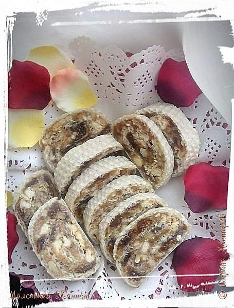 Добрый день, дорогие жители Страны Мастеров! Поздравляю всех с Днём Св. Валентина! Пользуясь случаем, предлагаю побаловать своих любимых вкусным десертом, который быстро готовится и, к тому же, очень полезен.  Это блюдо Сербской национальной кухни. Ранее публиковала уже несколько рецептов. Нужно заметить, что сладости в Сербии особенно вкусные и напоминают восточные.  фото 1