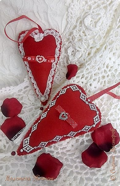 Приветствую всех! С днём Святого Валентина, праздником влюблённых!   Представляю Вашему вниманию свои текстильные сердечки Тильда.  фото 6