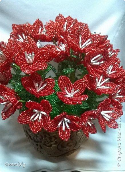 вот такой кустик получился под заказ. 51 цветочек и тонна бисера!)) фото 2