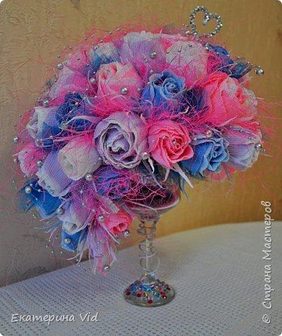 Здравствуй,прекрасная страна!!!Пользуясь случаем хочу поздравить всех влюбленных,любящих и любимых с самым романтичным праздником в году-с днем св. Валентина!!!Желаю вам любить и быть любимыми всегда!!! Сегодня решила показать вам мою новую работку(мое первое стекло) сделанную на конкурс сего праздничка:) фото 1