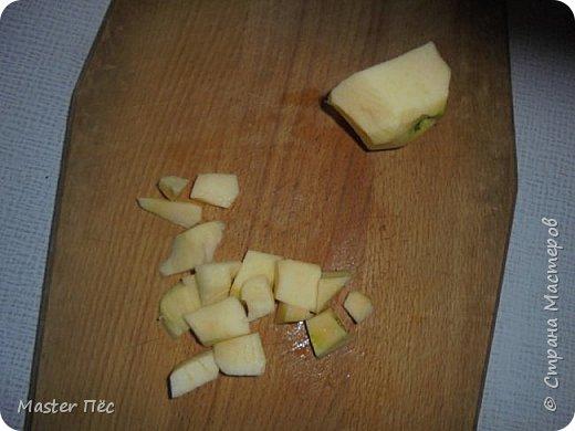 """Всем привет! Сегодня выкладываю свой первый кулинарный мастер-класс! Называется """"Гречка в сметанном соусе"""". Рецепт собственного изобретения. Попробовал, получилось вкусно!  Потребуется: - гречка - яблоко - сметана - чеснок - эстрагон (можно заменить майораном, базиликом, укропом или петрушкой) - кетчуп (по вкусу) - соль, перец (по вкусу) фото 6"""