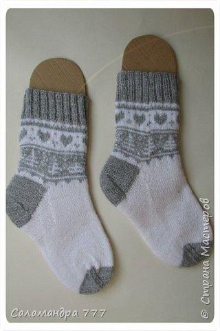 Ура! Я их довязала! Еще одни носочки с жаккардом. Отправятся на Украину. фото 1