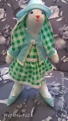Интерьерные игрушки зайцы тильда рост 40 см самостоятельно стоят, сидят с опорой. Могут стать замечательным украшением интерьера или лучшим друзьями вашего малыша. фото 3
