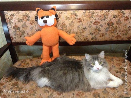 Очередной эксперимент с шитьём игрушки -кота Гарфилда. Внучок обожает  смотреть  и фильм,и мультик про Гарфилда, пришлось бабушке постараться и сшить такую игрушку ))) Рост кота 40 см фото 4