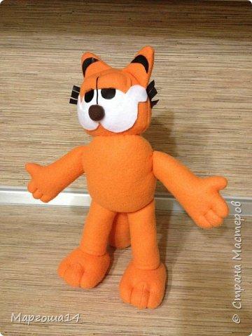 Очередной эксперимент с шитьём игрушки -кота Гарфилда. Внучок обожает  смотреть  и фильм,и мультик про Гарфилда, пришлось бабушке постараться и сшить такую игрушку ))) Рост кота 40 см фото 2