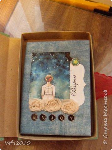 Обложка на паспорт, а рядом коробочка для него фото 3