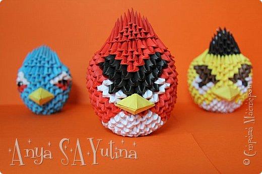 Привет) Angry Birds-одна из самых популярных игр в мире. В ней есть много разных и всем знакомых персонажей: это и птицы, и их враги свиньи. В этом мастер классе я расскажу и покажу вам, как сделать красную птичку техникой модульное оригами. Как сделать голубую птицу техникой модульное оригами: http://stranamasterov.ru/node/976372 Как сделать зелёную свинью техникой модульное оригами: http://goo.gl/jiu2KO Жёлтая птица: http://stranamasterov.ru/node/981599 фото 6