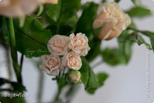 Здравствуйте, хотела бы показать свою работу, мои любимые розочки, стараюсь сделать соотношение качества и доступности, цветы пахнут настоящими розами. Сделаны из полимерной глины. фото 11