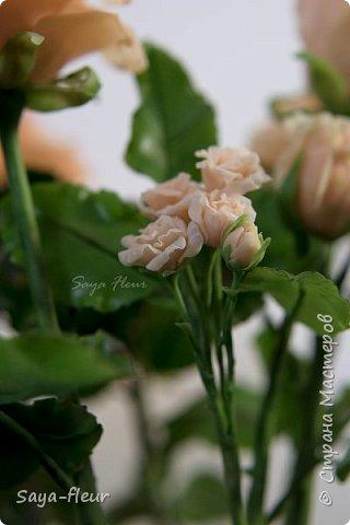 Здравствуйте, хотела бы показать свою работу, мои любимые розочки, стараюсь сделать соотношение качества и доступности, цветы пахнут настоящими розами. Сделаны из полимерной глины. фото 9