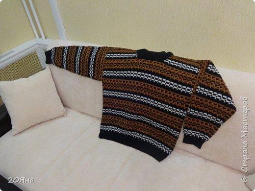 Здравствуйте, дорогие жители страны мастеров! Предлагаю вам посмотреть свитер, связанный крючком. фото 1