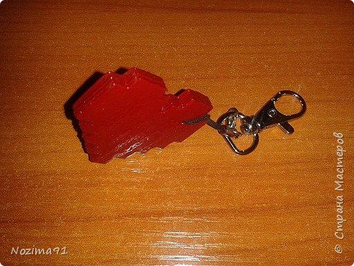 Сделала такой брелочек в виде сердца, источник ( http://stranamasterov.ru/node/1000941?c=favorite )  фото 2