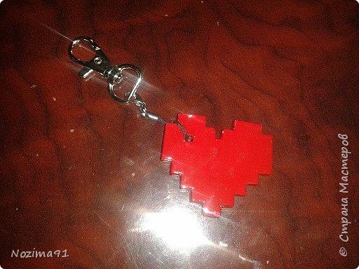 Сделала такой брелочек в виде сердца, источник ( http://stranamasterov.ru/node/1000941?c=favorite )  фото 3