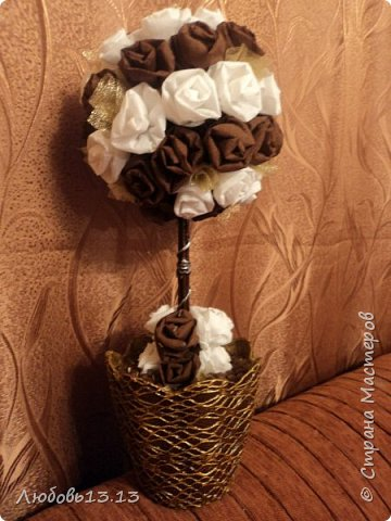 Деревца из бумажных цветов фото 6