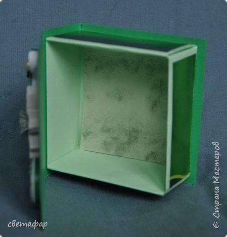 Коробочка 1.  Цветок -   попытка сделать гардению по МК Светы Беловой .Спасибо ей большое. Бумага коробочки - обои. фото 7
