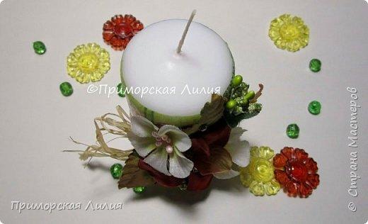 Белая обычная свеча превращается в яркий элемент декора и неповторимый, романтичный подарок))) Всё довольно просто и быстро. фото 6