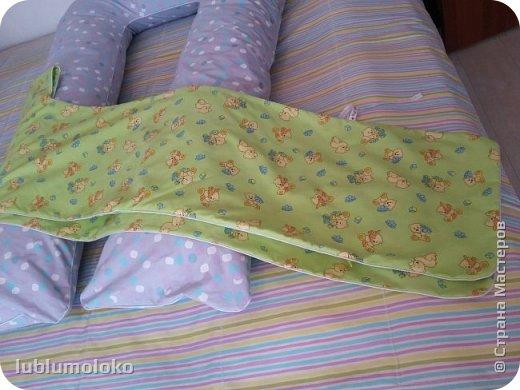 Одна знакомая девочка попросила сшить ей подушку. Такое я еще не шила, поэтому для приобретения опыта согласилась. Заказала она большущую, 1,5 м длиной, 1 м шириной. фото 1