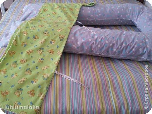 Одна знакомая девочка попросила сшить ей подушку. Такое я еще не шила, поэтому для приобретения опыта согласилась. Заказала она большущую, 1,5 м длиной, 1 м шириной. фото 8