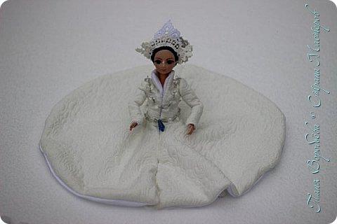 В далеком-далеком снежном королевстве жила холодная,надменная, снежная королева. фото 3