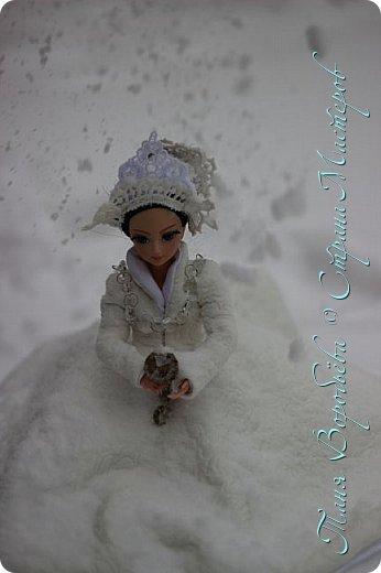В далеком-далеком снежном королевстве жила холодная,надменная, снежная королева. фото 6
