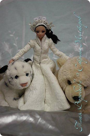 В далеком-далеком снежном королевстве жила холодная,надменная, снежная королева. фото 9