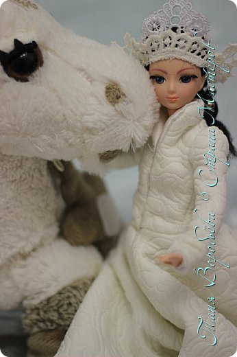 В далеком-далеком снежном королевстве жила холодная,надменная, снежная королева. фото 10