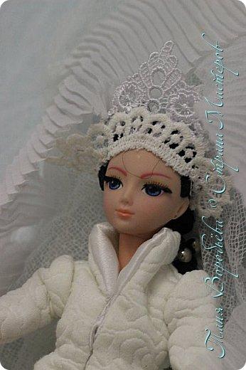 В далеком-далеком снежном королевстве жила холодная,надменная, снежная королева. фото 1