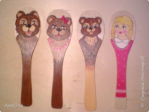 """Театр на лопатках """"Три медведя"""". Лопатки выполнены электролобзиком из фанеры. Роспись акриловыми красками, лак акриловый. фото 1"""