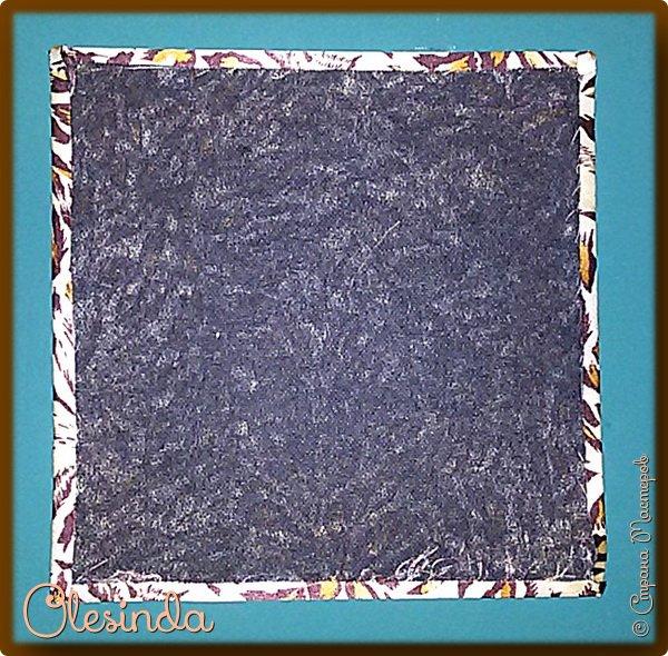 Здравствуйте! Многие мастерицы лоскутного шитья знакомы с техникой пэчворк «Кафедральные окна» или, как ее еще называют, «Витражные окна», «Домский витраж», «Готические окна», «Церковные окна» и «Магический квадрат». Также как и названий, существует несколько способов создания такого блока. В этом мастер-классе я покажу 5 из них. (Все приведенные ниже приемы придуманы не мной, я лишь собрала их для вас в одном посте.) фото 12