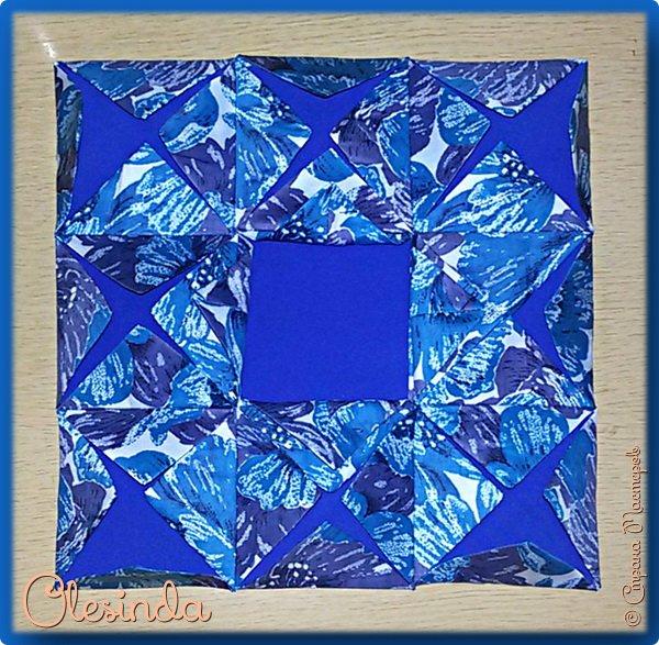 Здравствуйте! Многие мастерицы лоскутного шитья знакомы с техникой пэчворк «Кафедральные окна» или, как ее еще называют, «Витражные окна», «Домский витраж», «Готические окна», «Церковные окна» и «Магический квадрат». Также как и названий, существует несколько способов создания такого блока. В этом мастер-классе я покажу 5 из них.  (Все приведенные ниже приемы придуманы не мной, я лишь собрала их для вас в одном посте.) фото 29