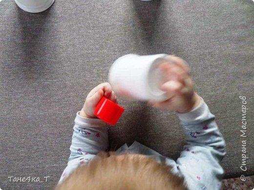 """Самая простая игра из подручных материалов для ребенка это """"Наперстки"""". фото 5"""