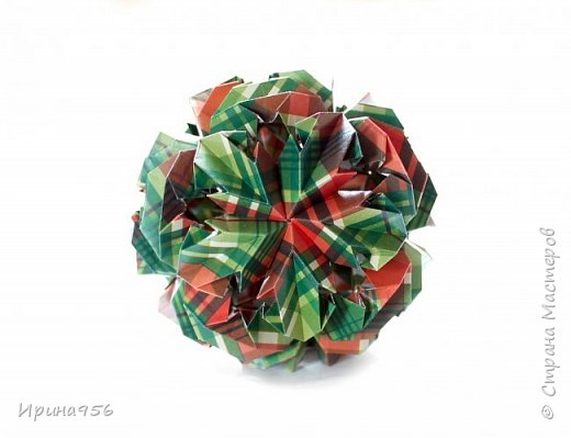 Chrysanthemum by Leroy МК http://stranamasterov.ru/node/93470 30 модулей 7 х 7 см. Размер около 9,5 см. фото 2
