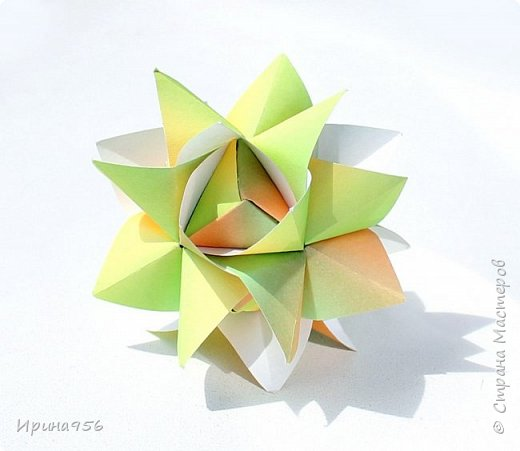 Chrysanthemum by Leroy МК http://stranamasterov.ru/node/93470 30 модулей 7 х 7 см. Размер около 9,5 см. фото 14