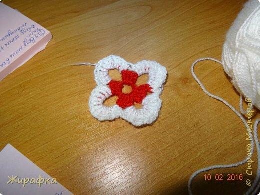 Вяжем цветок-интригу... фото 4