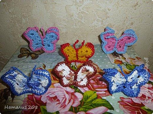 Бабочки вязаные крючком. Видео: https://www.youtube.com/watch?v=Ecun55KpdEI     фото 1