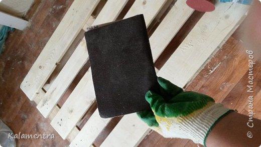 Хочу поделиться с Вами, как я сделала кровать из паллетов (деревянных поддонов))))  фото 4