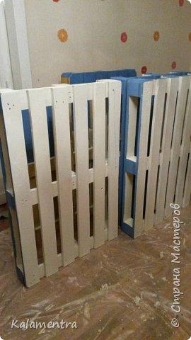 Хочу поделиться с Вами, как я сделала кровать из паллетов (деревянных поддонов))))  фото 8
