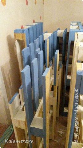 Хочу поделиться с Вами, как я сделала кровать из паллетов (деревянных поддонов))))  фото 9