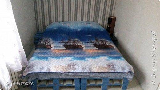 Хочу поделиться с Вами, как я сделала кровать из паллетов (деревянных поддонов))))  фото 14