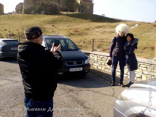 Не случайно начинаем фоторепортаж из такого своеобразного признания в любви к нашей столице. Ведь все наши туристы увозят с собой на Родину только часть своего сердца, другая остается здесь и ждет их возвращения. Эти гостьи прилетели к нам из Казахстана.  фото 9